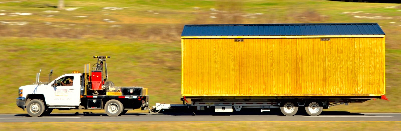shed-delivery-on-the-road
