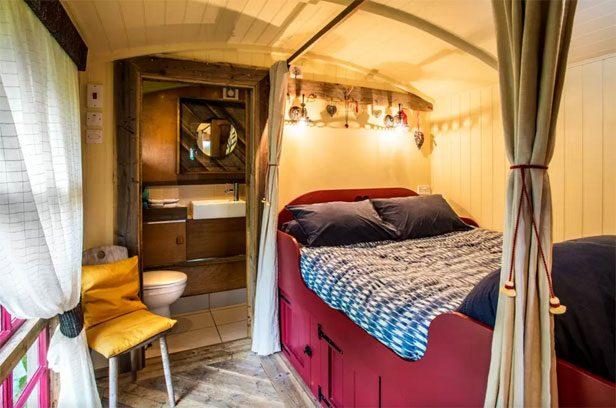 custom-sheds-airbnb
